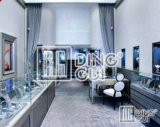 How to design a jewelry store with display showcase