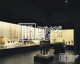 Strength Is Not Afraid Than - Dinggui Museum Display Cabinet Company
