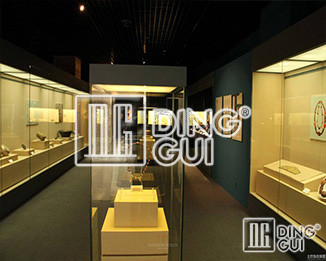Dinggui Antique Showcase Supplier Is Indeed The Bbest Manufacturer!