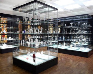 MD19 High End Museum Store Display