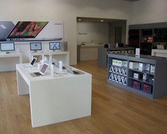 EL57 High End Laptop Store Design