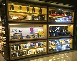 EL38 High End Headphone Accessories Display