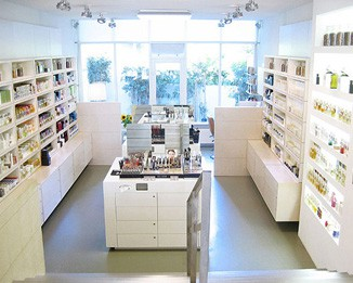 CM29 Modern White Cosmetic Store Design