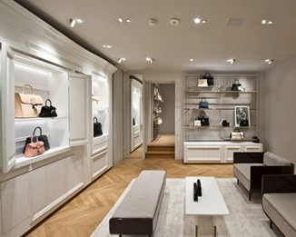 HB02 White Handbag Showroom Design