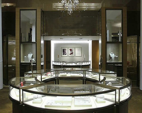 MK34 Luxury Glass Jewelry Kiosk Design