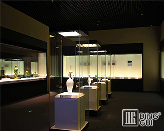 MB38 Proferssion Custom Modern Museum Display Case Fixtures