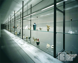MB50 17Years Profession Custom High End Museum Glass Display Boxes