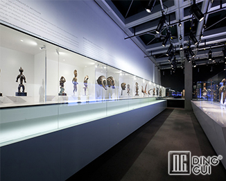 MB56 17Years Hot Sale High End Quality Museum Glass Display Showcase