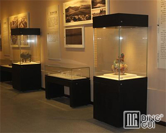 MB65 Custom Hot Sale High End Museum Display Showcase Furniture Design