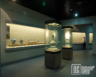 MB90 High End Quality Display Showcase For Museum