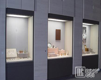 MB93 Design High End Quality Museum Glass Display Cases For Sale