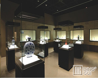 MB94 Custom High End Museum Quality Display Cases