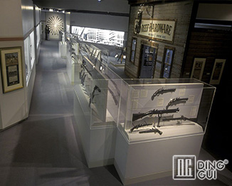 MB103 Custon Design Modern Museums Glass Display Showcases