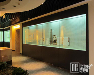 MB135 Wholesale Chinese Custom Antique Museum Glass Display Showcase Furniture Design
