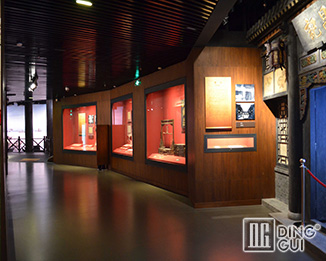 MB142 Wholesale Guangzhou Custom Antique Museum Display Showcase Furniture Design