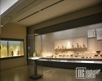 MB156 Wholesale  High End Luxury Museum Glass Display Showcase Furniture Design