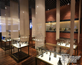 MB175 High End Quality Antique Museum Display Showcase Furniture Design
