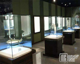 MB38 Custom Design High End Museum Display Showcase Furniture
